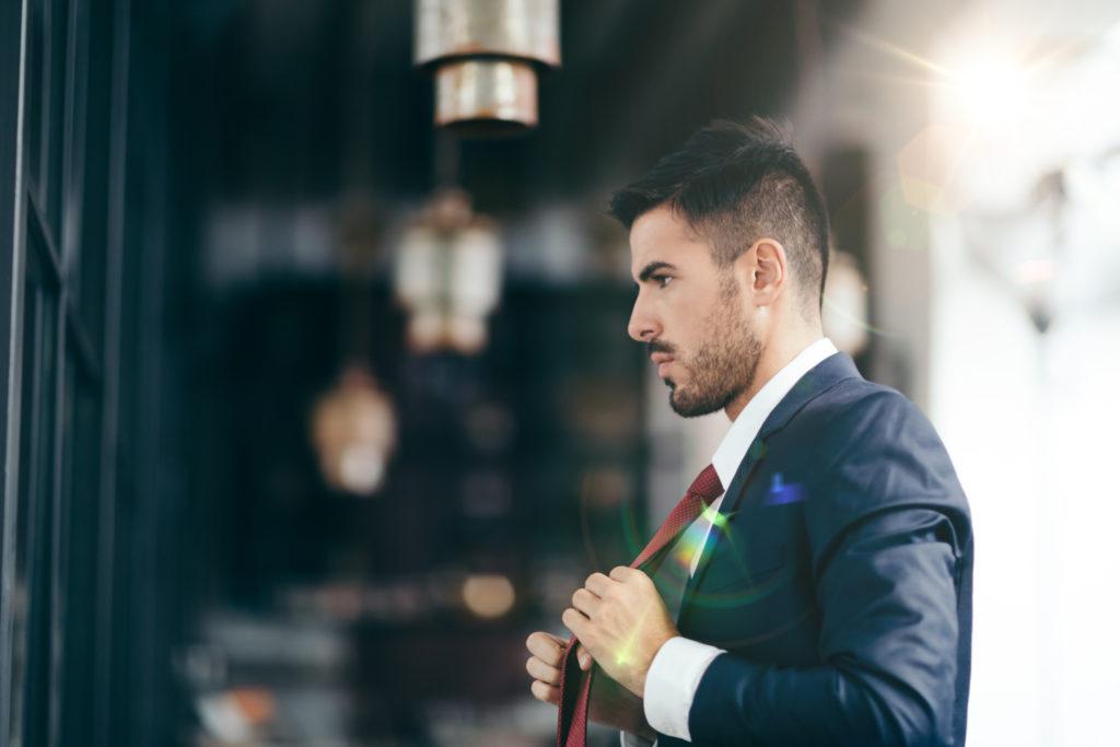 اسهل طريقة للف ربطة العنق